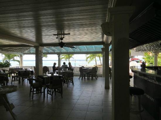 Yellow Bird Hotel: Breakfast cafe