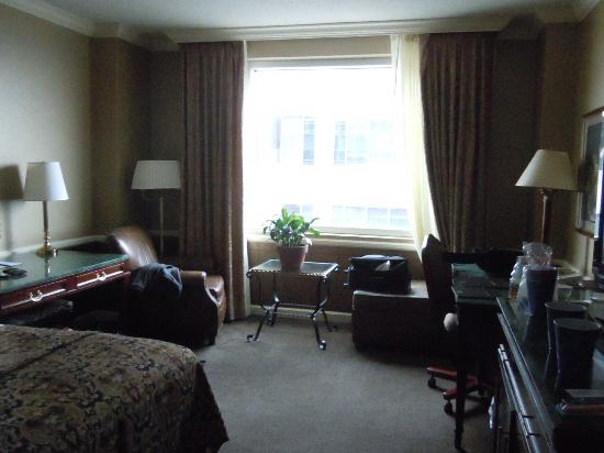 Hilton Harrisburg: Our room