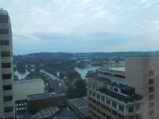 Hilton Harrisburg: Executive Lounge View