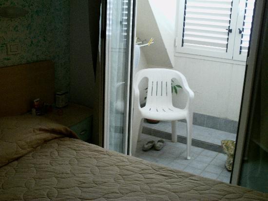 Hotel Romagna: Camera con veranda
