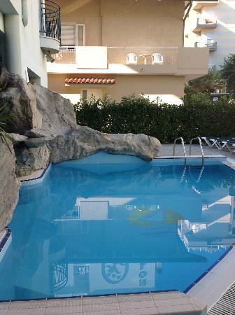 "Hotel Romagna: Piscina Residence "" Le Vele """