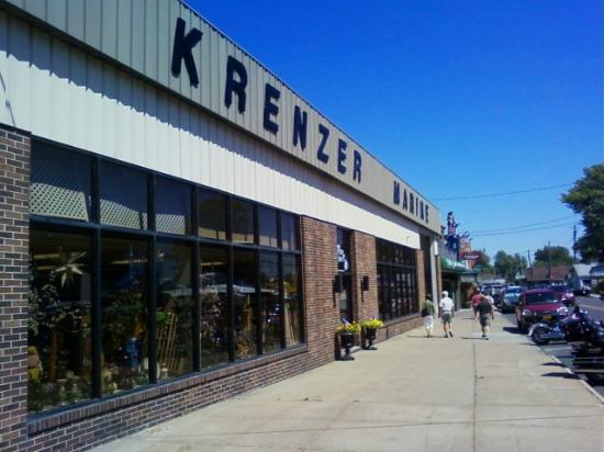 Sodus Point, Estado de Nueva York: Krenzer Marine Store and Show Rooms
