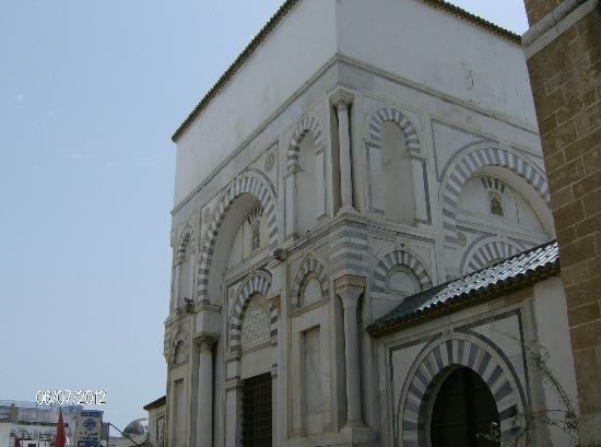 Zitouna Mosque : Détail de l'architrecture de la Mosquée Zitouna