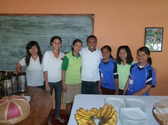 Sea World Club Beach Resort: very friendly restaurant staff