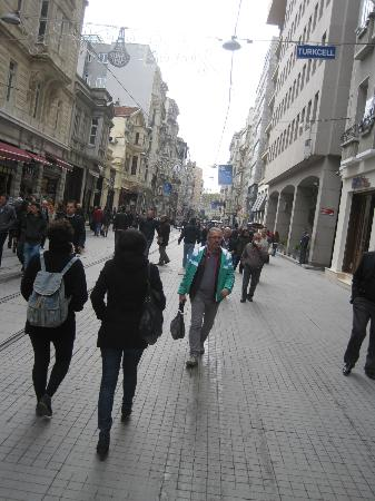 Peradays: Istikal Street
