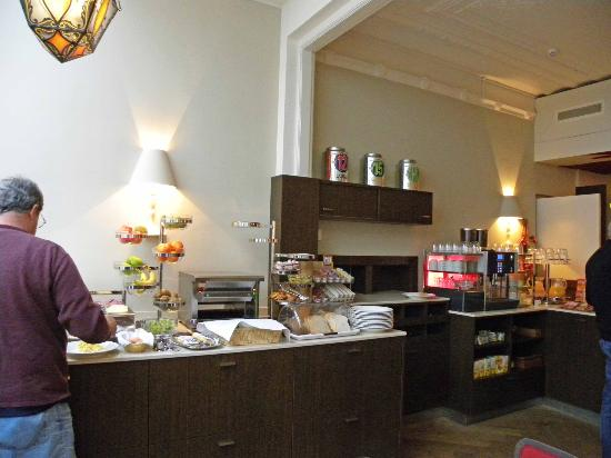 Hotel van Walsum: Breakfast buffet