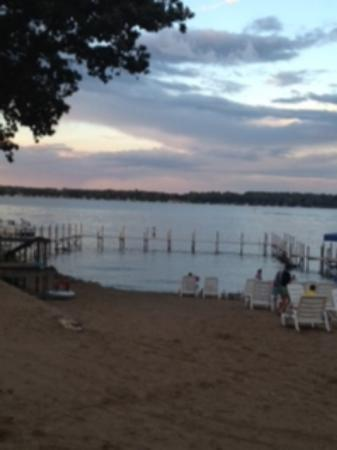 Village West Resort - West Lake Okoboji: Beach View
