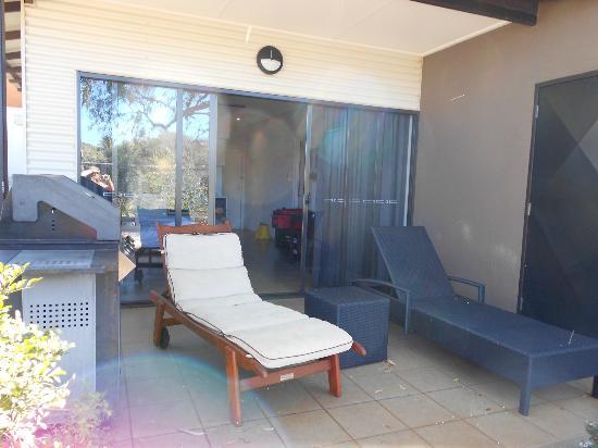 أوكس كيبل بيتش سانكتشواري: veranda outdoor area 