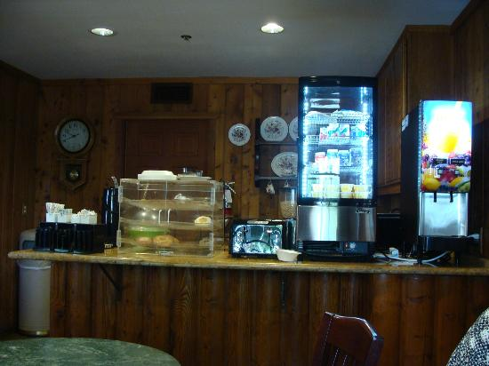 Ayres Lodge Alpine: Continental breakfast