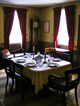 Gibson House Museum: Dinner table