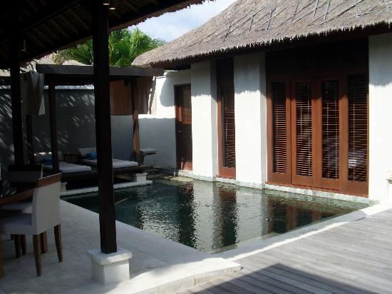 Villa Mahapala: pool area