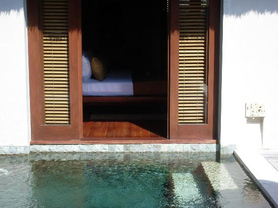 Villa Mahapala: view from pool to bedroom