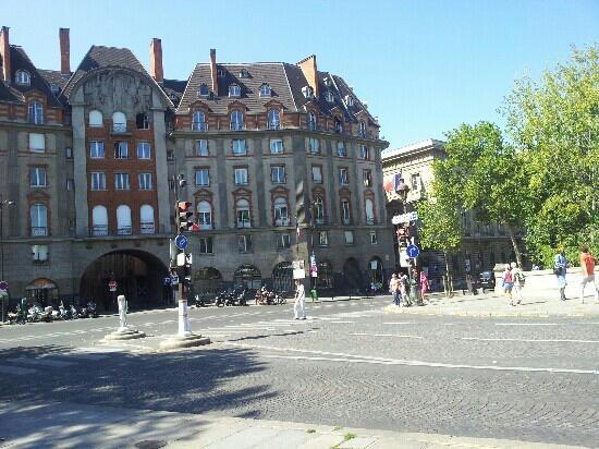 Boulevard St. Germain: over