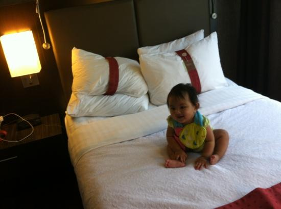 DoubleTree by Hilton Atlanta Perimeter Dunwoody: one of the twin bed in standard room