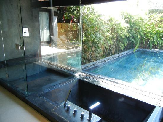 Fusion Maia Da Nang: Bathroom