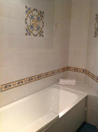 Hotel du Parc: The bath