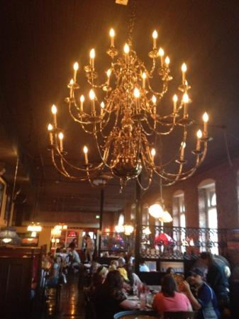 The Old Spaghetti Factory: Beautiful old chandelier!