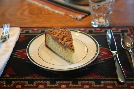 Laurel Lodge: Coffee cake (this was my favorite breakfast item)