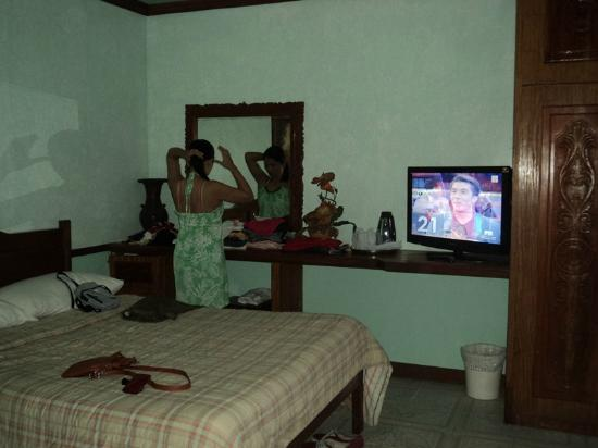 Tonglen Beach Resort: Room