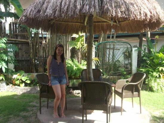 Tonglen Beach Resort: Nipa Huts