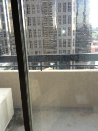 International Hotel Calgary: Balcony & windows could use a wash