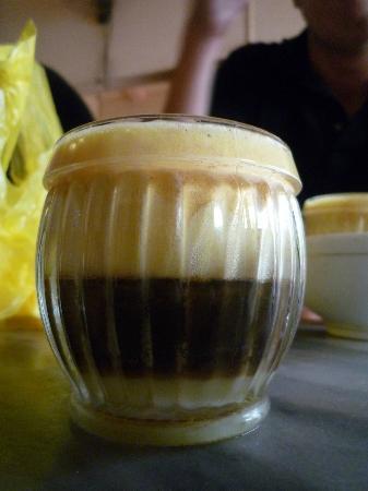 Finnegans Hotel: Egg white coffee (Giang Cafe)