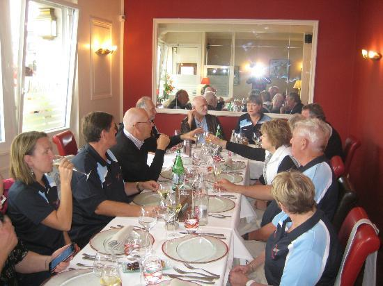 La Grillade Gourmande : Tour de Europe group at lunch