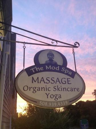 Yoga On The Vine: The Mod Spa is a quaint massage and yoga study on Martha's Vineyard. Come visit us!
