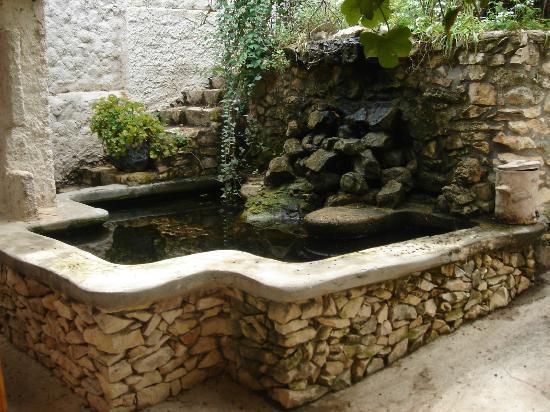 Aspamia: waterfall