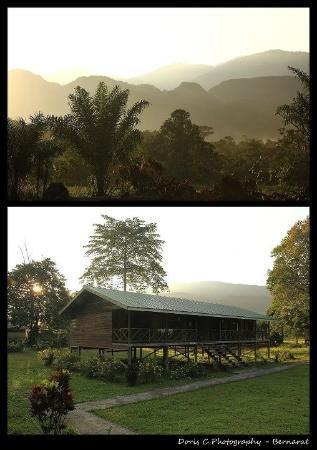 Benarat Inn: Morning view of Bernarat Lodge