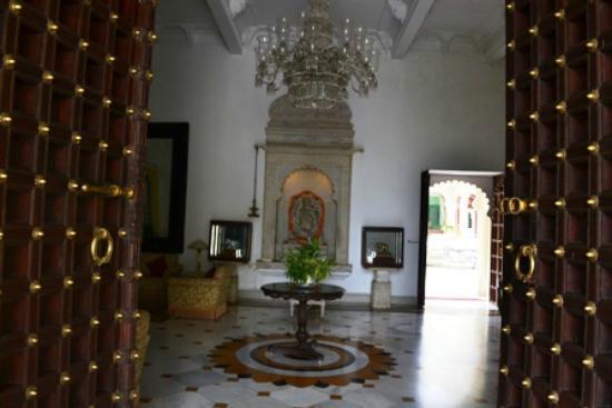 Shiv Niwas Palace: Shiv Niwas Entry