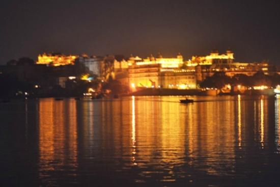 Shiv Niwas Palace: Shiv Niwas & Fateh Prakash Palace at Night