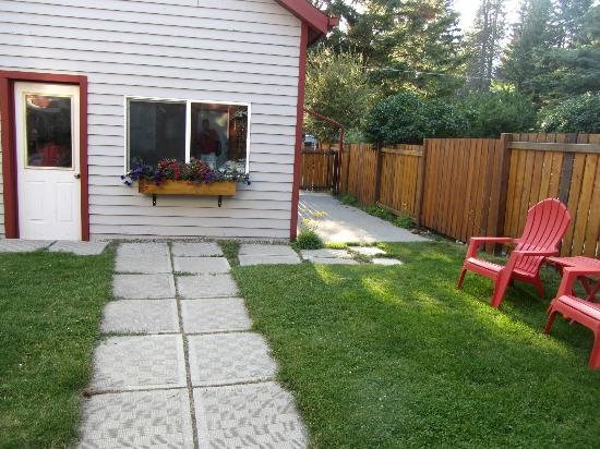 Cottage Bed & Breakfast: Yard