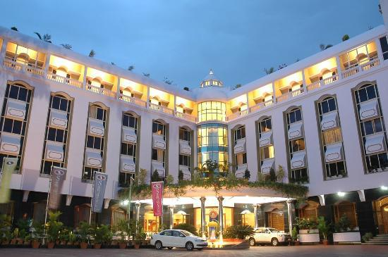 Hotel Sandesh The Prince: Outer View