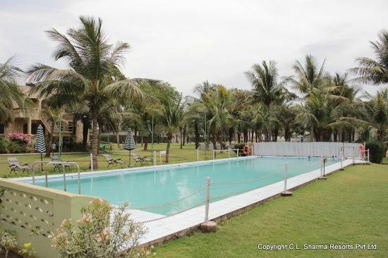 Gandhidham, Indien: Take a dip in our refreshing swimming pool