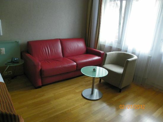 Hotel Krone Sarnen: Sofa
