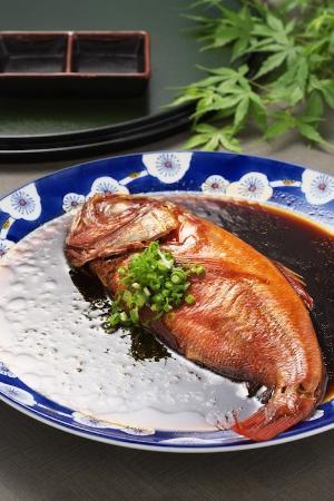 Sengokukogen Daihakone Ichinoyu: 金目鯛姿煮(追加料理¥2,100)