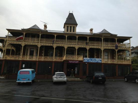 Grand Pacific Hotel Lorne: Grand Hotel, even in the rain..
