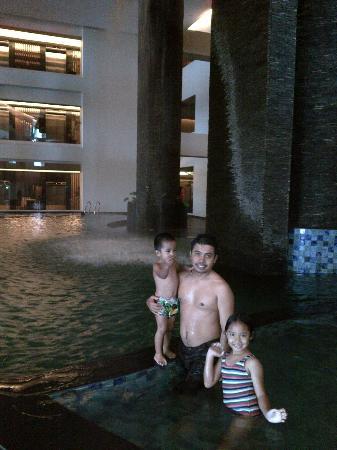 Aston Samarinda Hotel and Convention Center: we love the pool