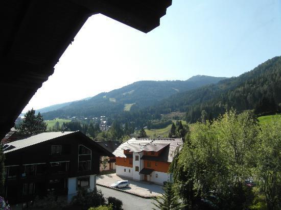 Hotel Sonnalm: Uitzicht vanaf balkon