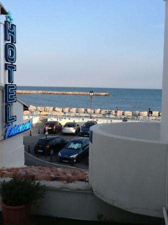 Hotel Le Dauphin Bleu : view from our room