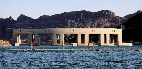 London Bridge Resort: This is Parker Dam, one of the many electric power generating plants along the Colorado River. U