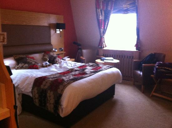 The Crown Spa Hotel: Bedroom