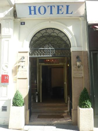 Hotel Paris Bruxelles: entrée hotel