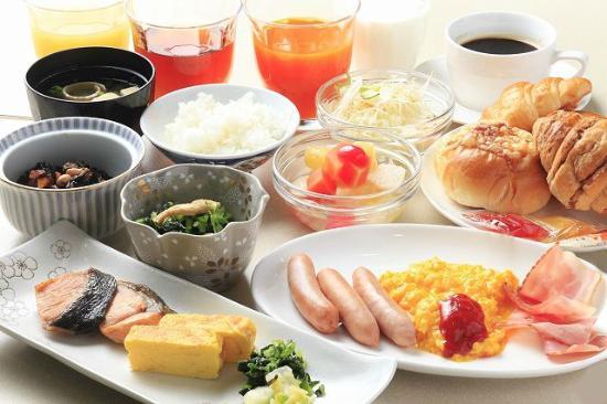 Vessel hotel Fukuyama : 朝食(和洋食バイキングメニュー) 無料