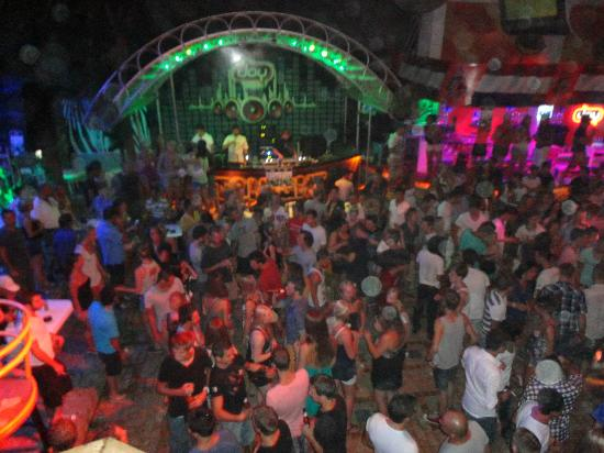Amphi Apartments & Studios: one of the clubs - joy
