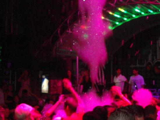 Amphi Apartments & Studios: foam party @ Joy