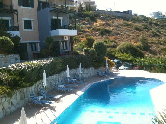 Erivolos Apartments: Pool Area