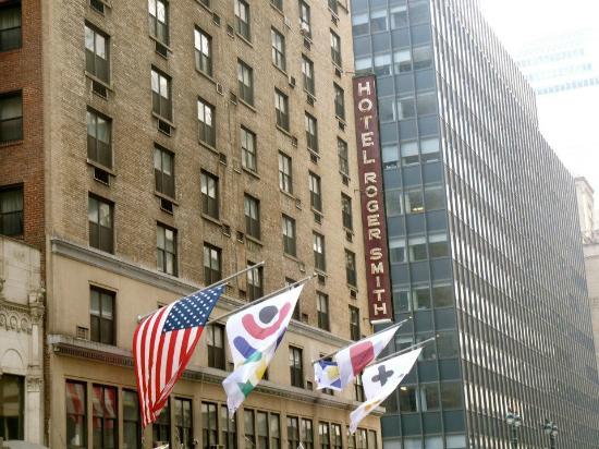 Roger Smith Hotel: Facade
