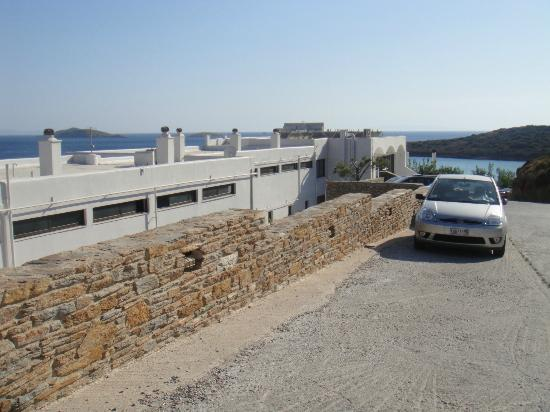 Hotel Perrakis: hotel parking